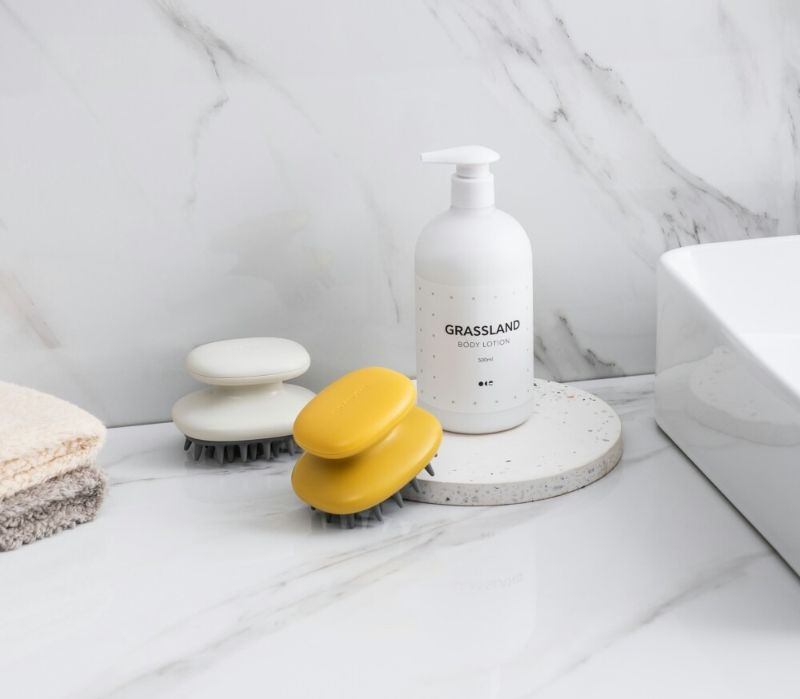 Buy Bathroom Hair Scalp Massager Shampoo Brush at Low Price in Doha - Free Delivery To Doha Qatar - Pinmoo silicone shampoo brush and scalp massager hair washing comb